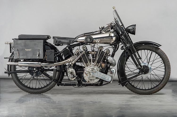 "Brough Superior Official on Instagram: ""T.E. Lawrence's George 5th SS100 1826 replica. #lawrence #lawrenceofarabia #broughsuperior #ss100 #classicbike #britishbike #classiccars…"""