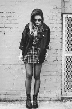 Fashion Flashback: How To Rock 90s Grunge