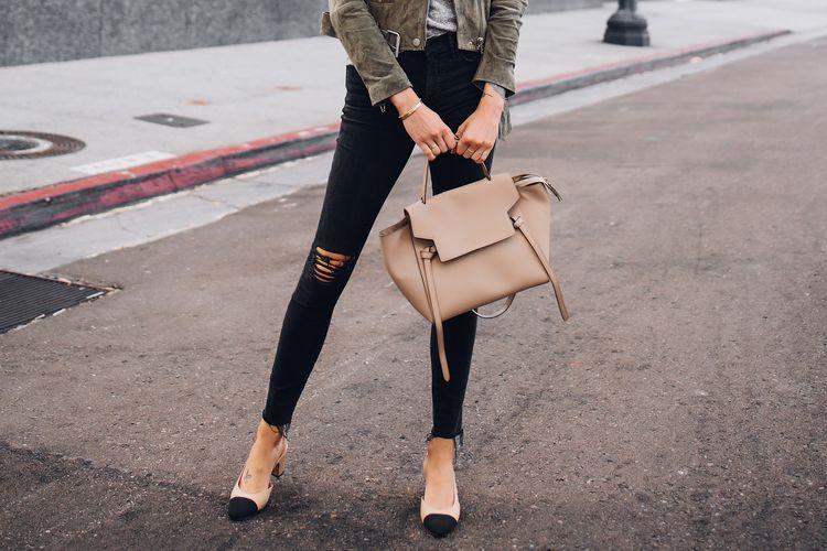 1b4b87946e0 Woman Wearing Madewell Black Skinny Jeans Celine Mini Belt