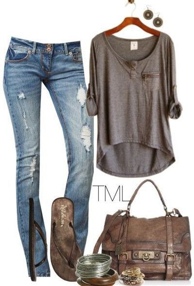 3/4 length top + jeans and flip flops! Love this look! Def my style.