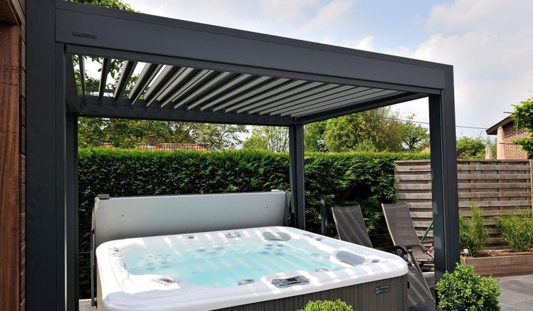 Louvered Roof Jacuzzi Brustor Uk
