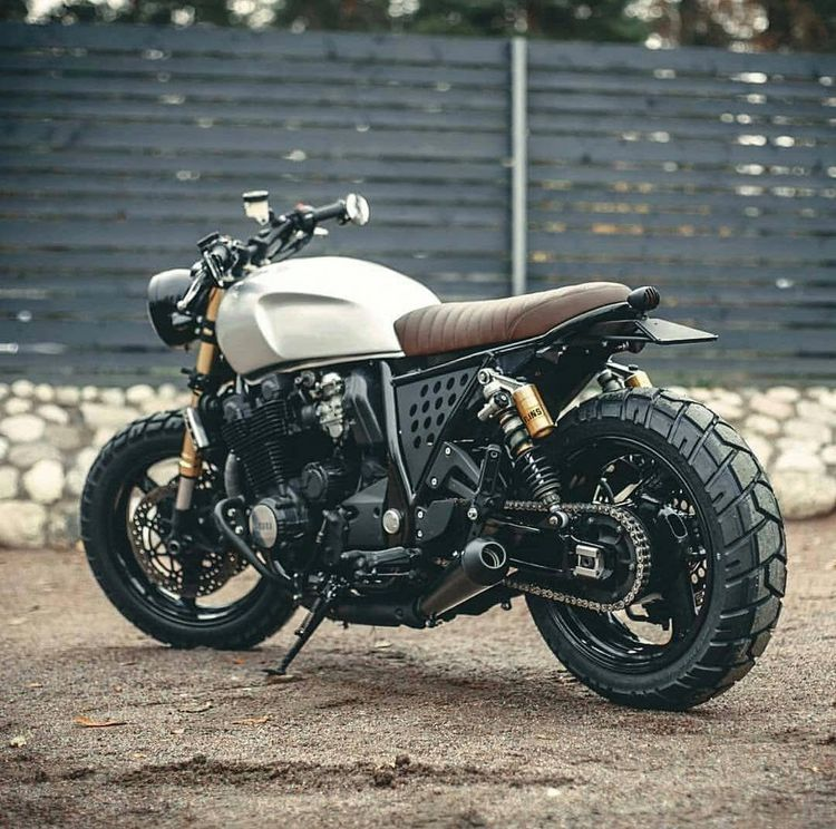 Seriously! I seriously am into those things these folks did to this unique #caferaceraccessory