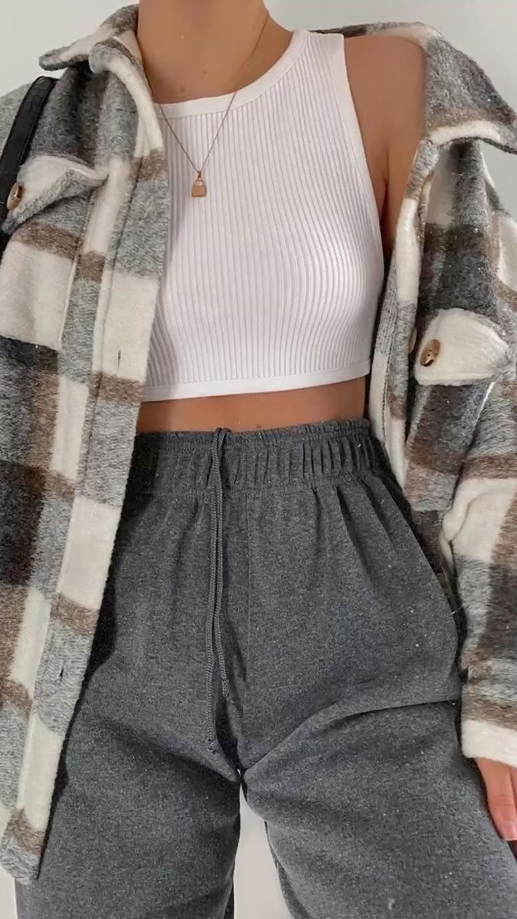 How To Wear Comfy Outfits This School Year