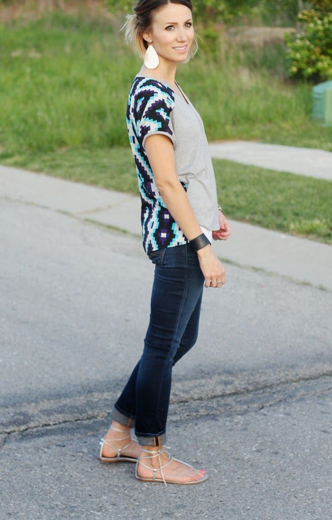 Contrast back tee, dark denim and metallic sandals