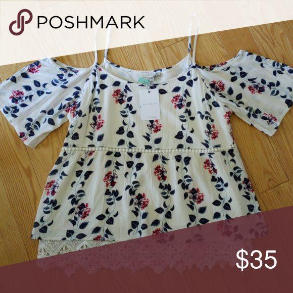 c7805e96a6c084 Langlock Cold Shoulder Top Floral