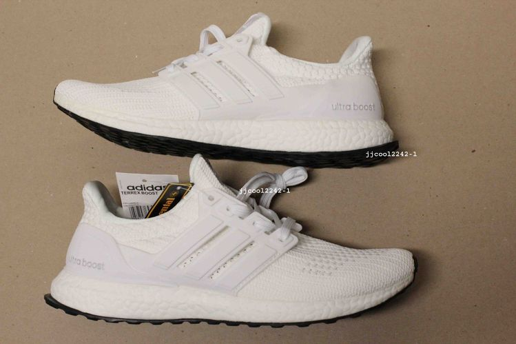 93bded8c3025b Details about Adidas Ultra Boost UltraBoost 2.0 Triple White (AQ5929) Size  11 Hype Boost