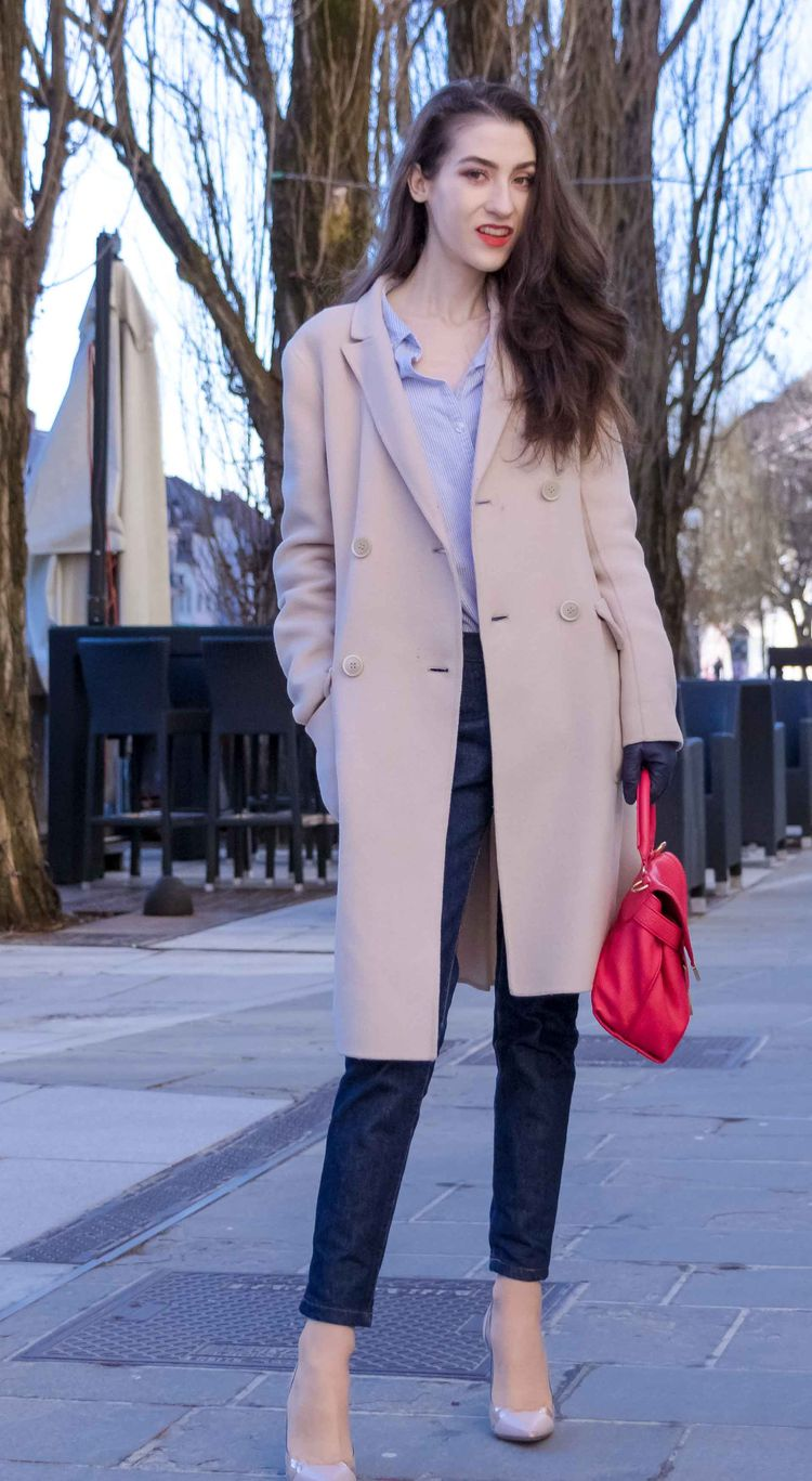 b8988730 Fashion Blogger Veronika Lipar of Brunette from Wall Street wearing chic  business casual outfit, Gianvito