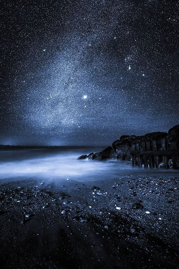 Mesmerising night skies captured over the Isle of Wight, in pictures