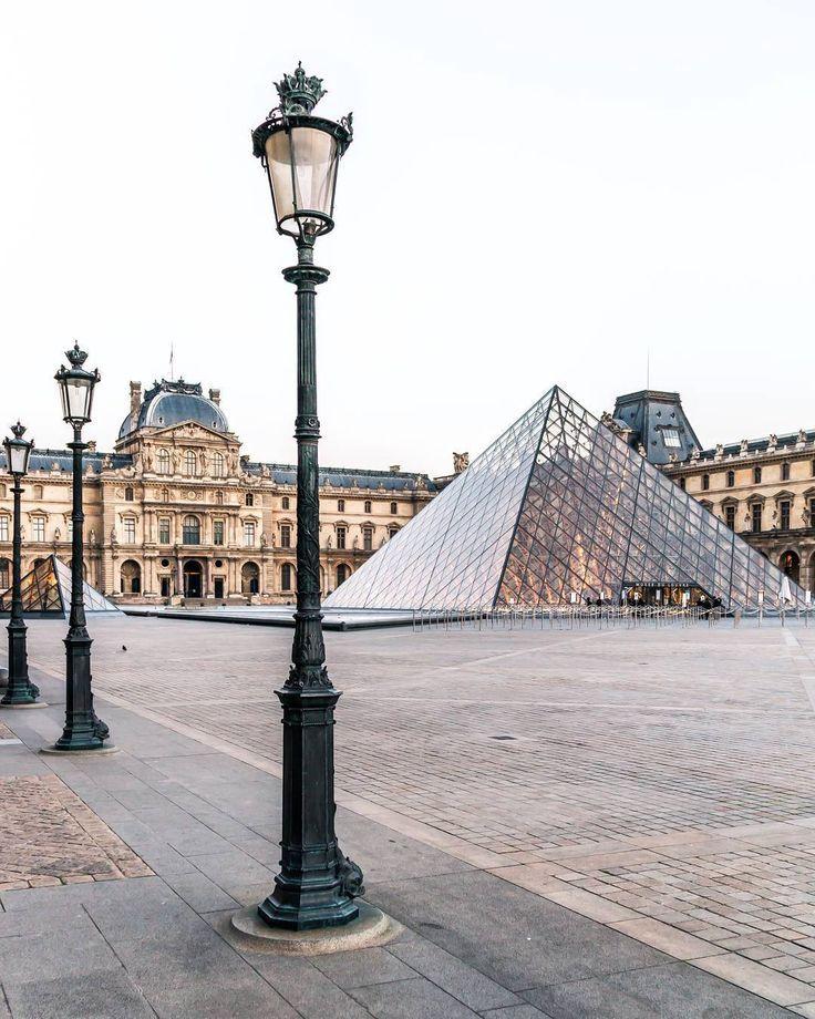 Paris, the Louvre. frenchmoments.eu/... - #frenchmomentseu #Louvre #paris