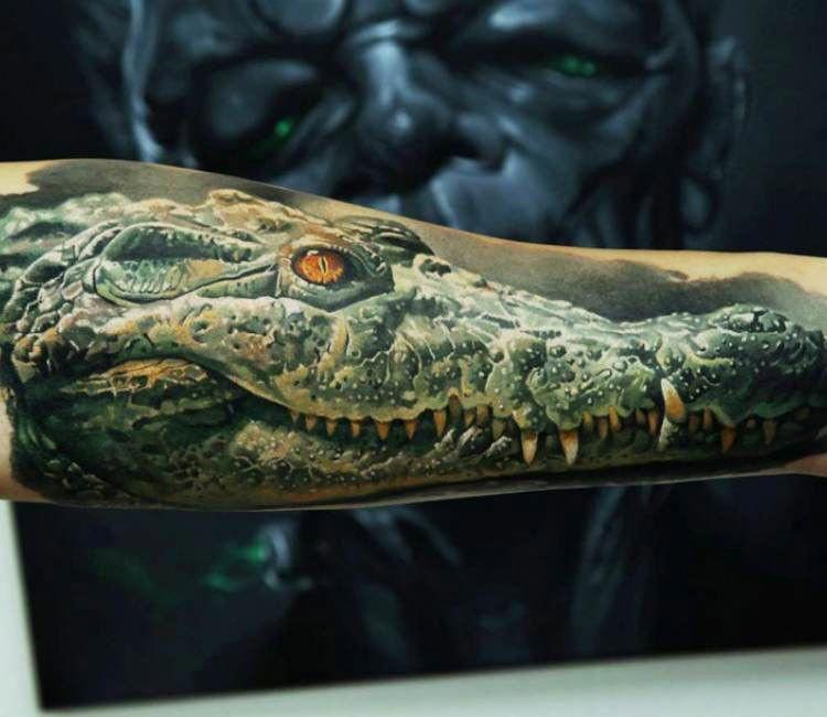 Tatuagem de crocodilo por Dmitriy Samohin