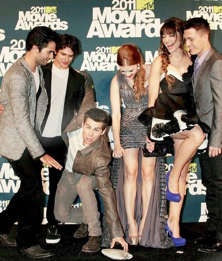 Look at Dylan😂😂💞😍 I miss them so much🥺💞 — #dylanobrien #stilesstilinski #hollandroden #lydiamartin #tylerposey #scottmccall #crystalreed…