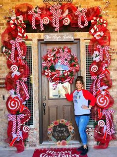 "50 Best Candy Cane Christmas Decorations which are the ""Sweetest things you've Ever Seen"" - Hike n Dip"