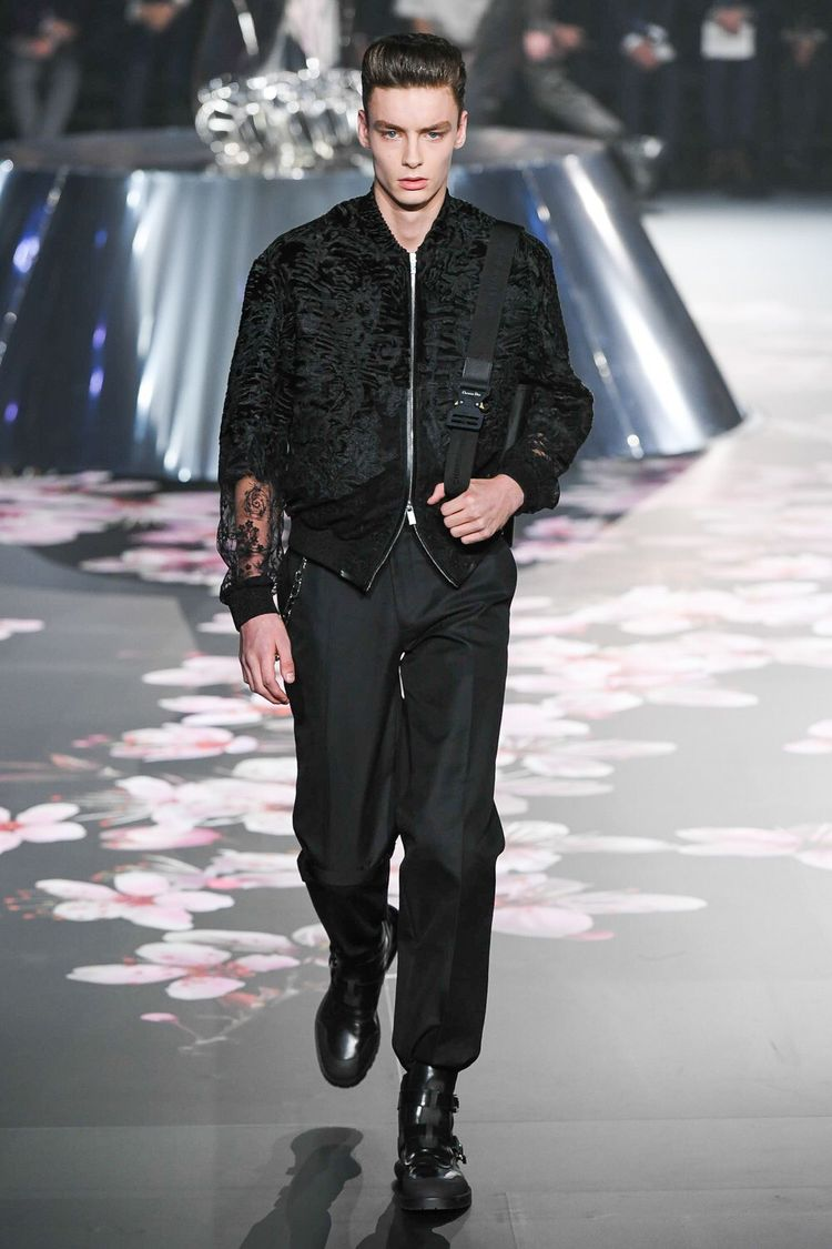 69f0b66f656a Dior Men Pre-Fall 2019 Fashion Show Collection  See the complete Dior Men  Pre-Fall 2019 collection. Look 41