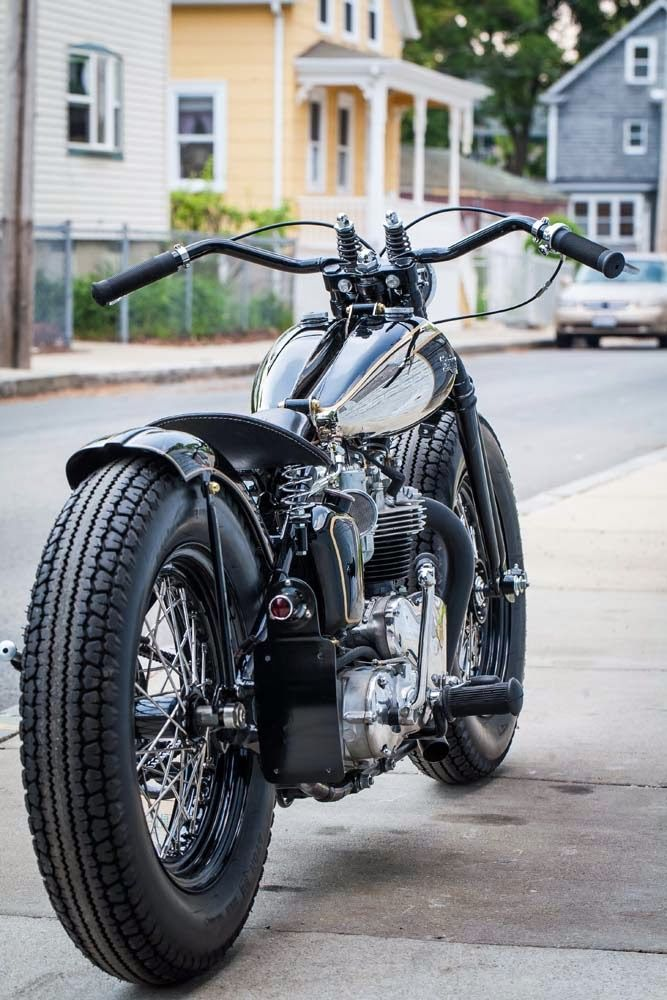 Triumph pre-unit bobber - what a sweet looking ride!