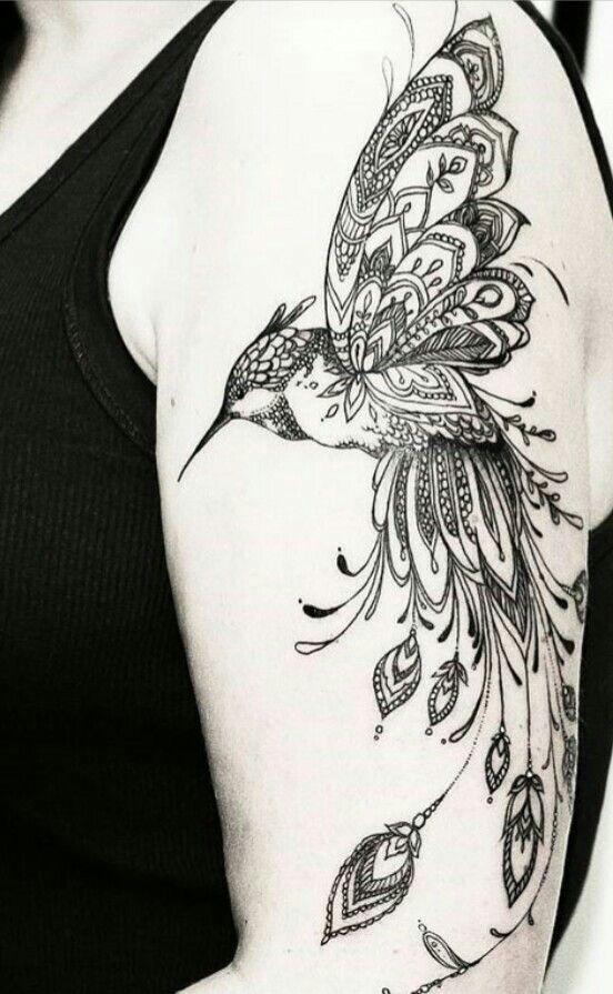 Idee Tattoo Belle Plume Avec Oiseau Qui S Envole Sur Chevil