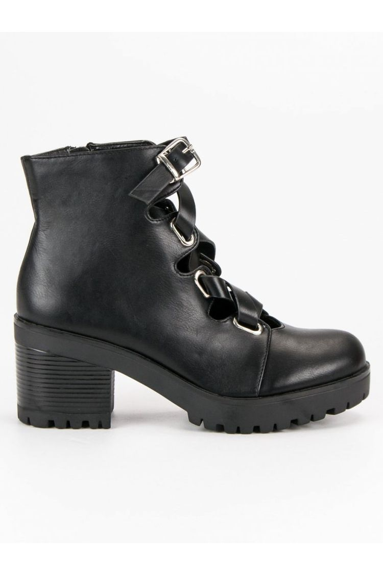 af6d23d80cf6 Čierne jesenné topánky CnB