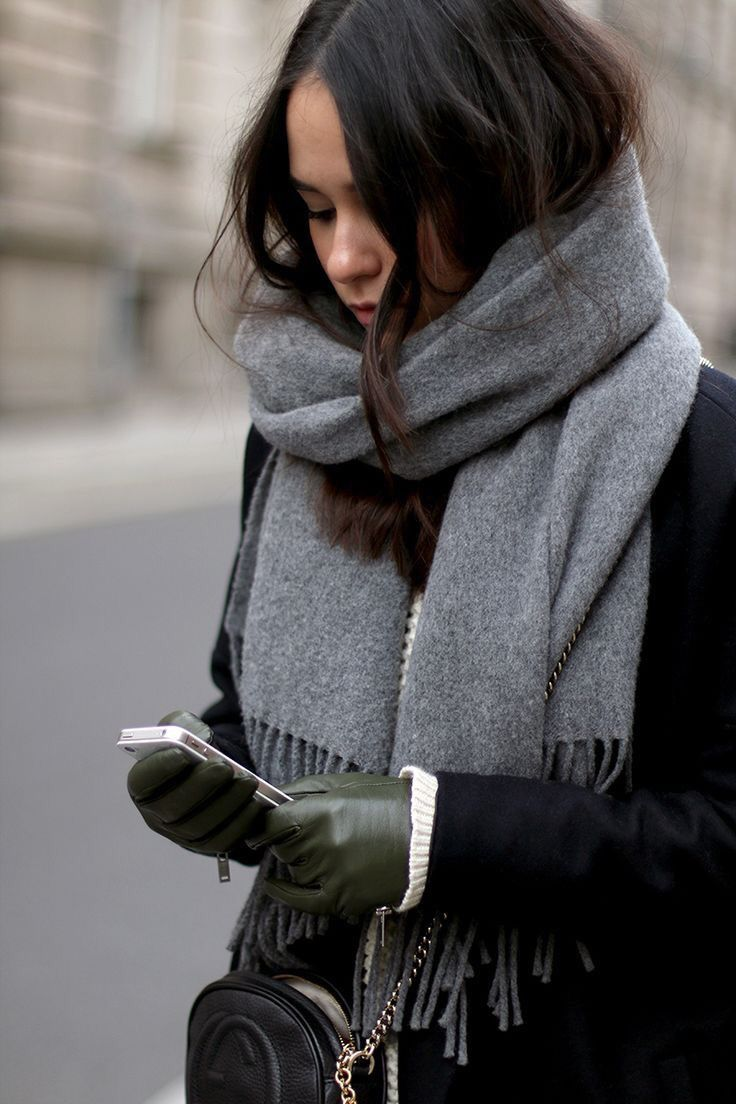 Women's Cozy Fall Winter Fashion Outfits With Scarves