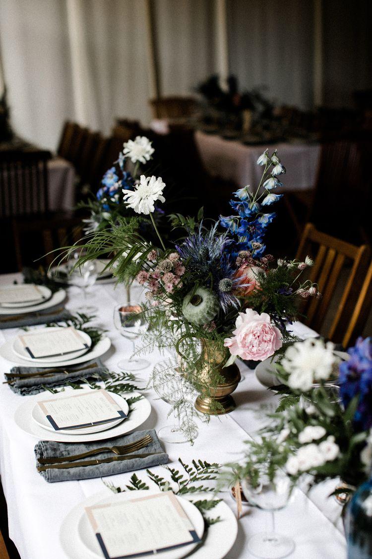 Tischdeko Fur Hochzeit Rustikal Mit Blau Wiesenblumen Tis