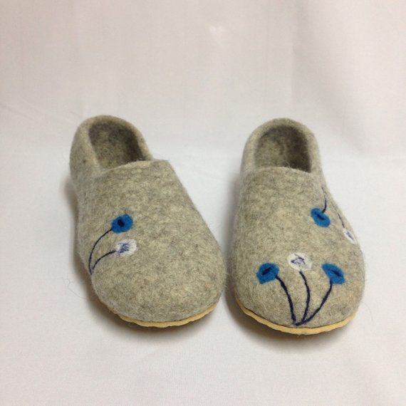 f1b153ef0076c Gray Felted wool Woman Slippers, House shoes, Organic sheep