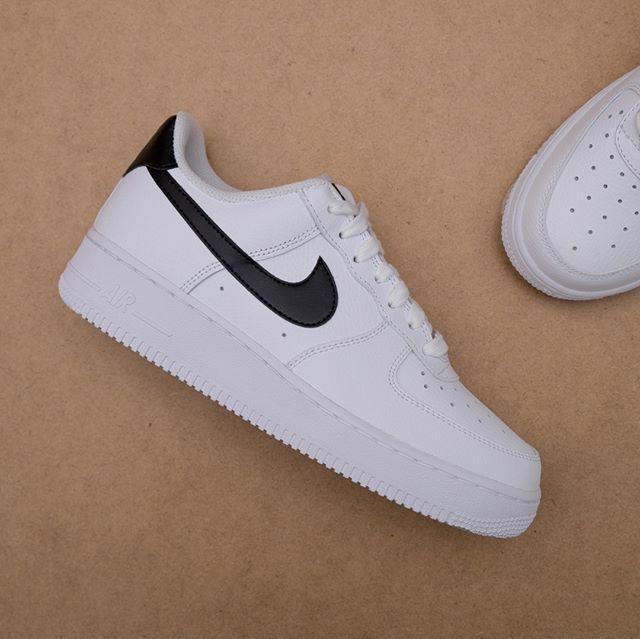 18a4ad34ecff Om du gillar sneakers - Nike-Adidas-Reebok-Puma