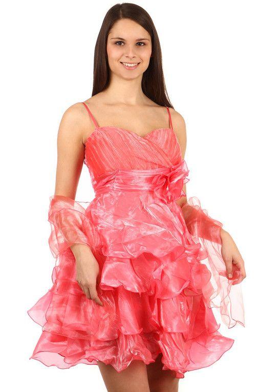 01e615d60e5f Večerní nadýchané volánkové šaty na ples