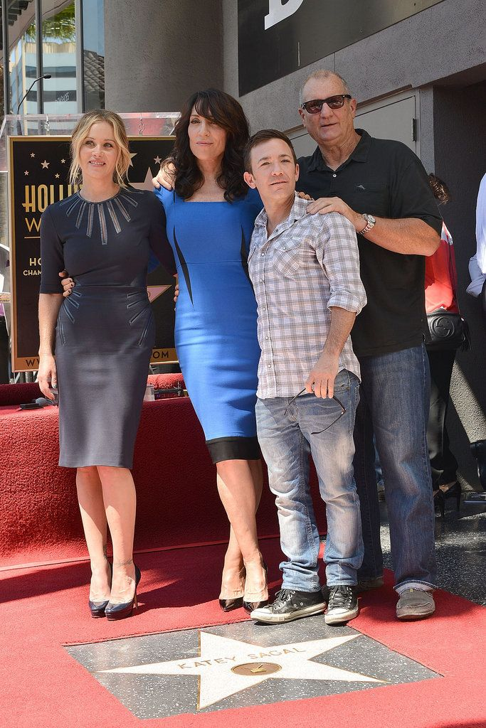 It's a Married With Children reunion.... can't tell you how much i love this pic!