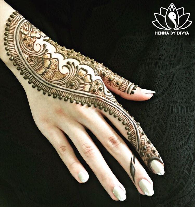 Henna By Divya Toronto Ontario Professional Services