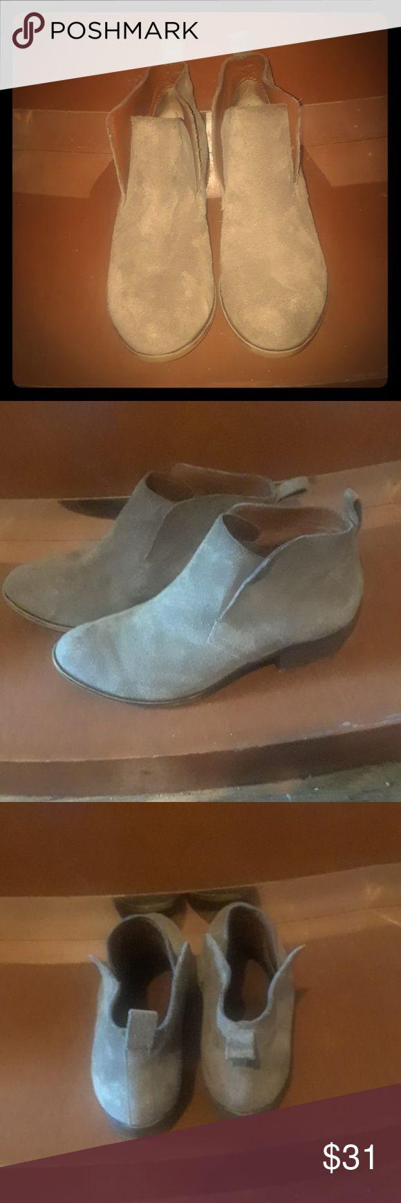 3f56d20fd953 Lucky Brand Womens booties size 6.5 m Slip on