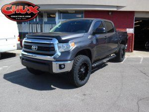 2015 Toyota Tundra with a Readylift SST Leveling kit, 295/6