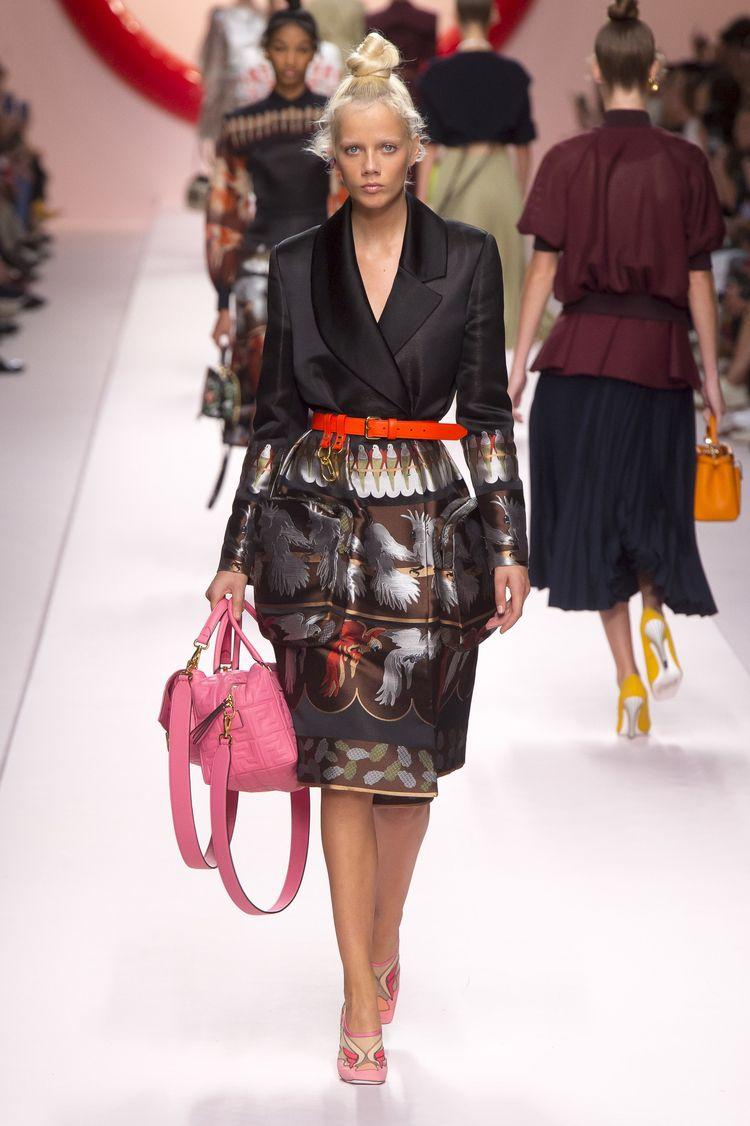 e6d097ae58229 Fendi Spring 2019 ReadytoWear Collection Vogue Fashion