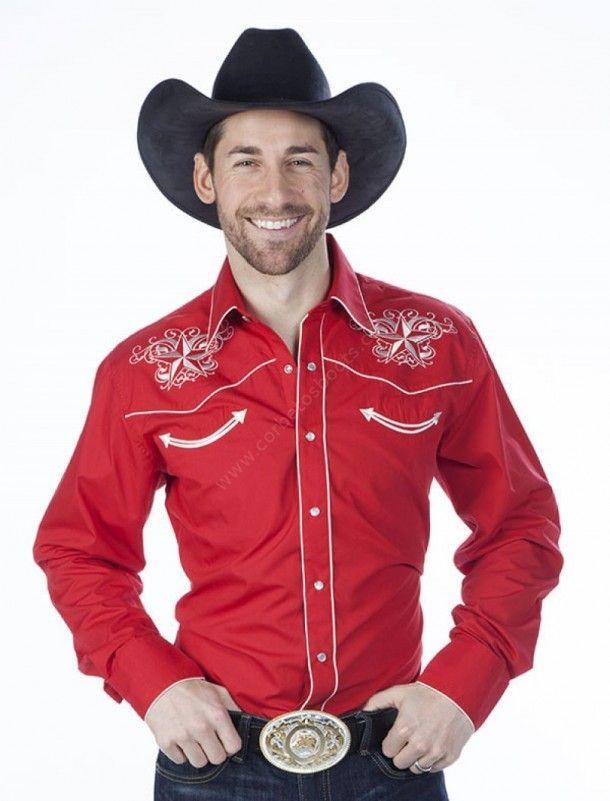 d15fd4a41f Compra en nuestra tienda web online esta camisa roja de estilo cowboy    rockabilly para hombre con bordados blancos en forma de estrella.