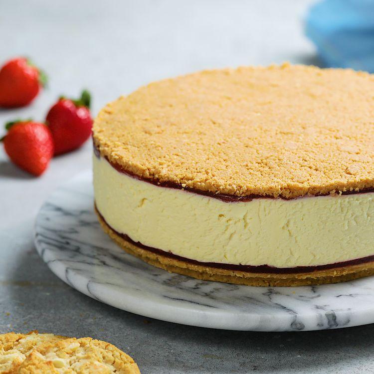 Upside-Down Berries and Cream Cheesecake