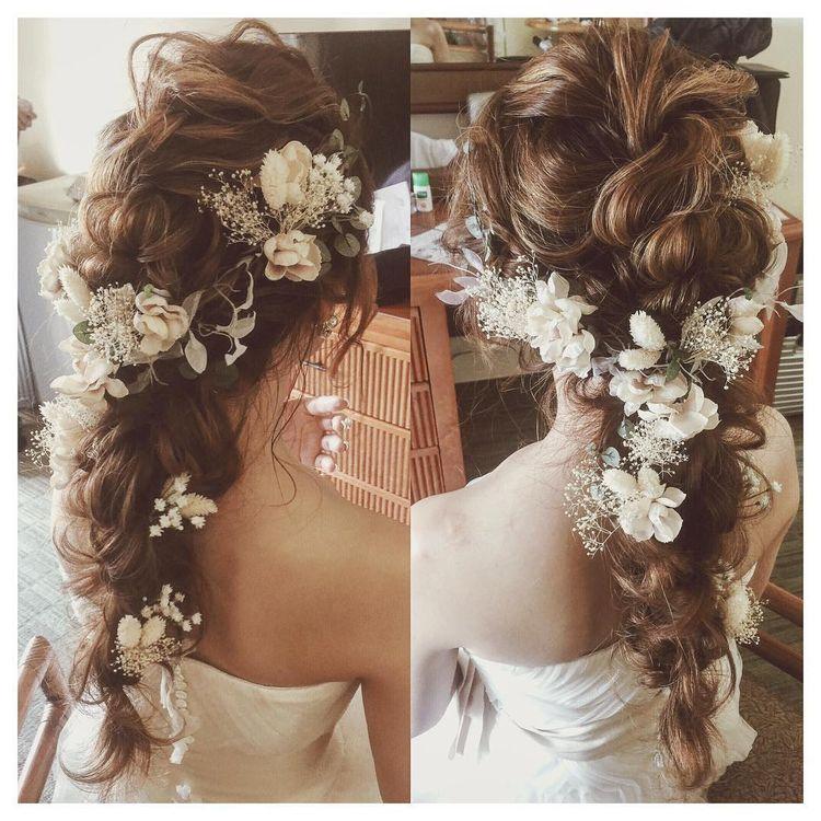 "Kumiko Saeki on Instagram: ""手作りヘアード、可愛い🌾♡ #hawaii #hawaiiwedding #weddinghair #verawang  #ハワイ#ハワイウェディング#ヘアメイク #ヘアアレンジ#プレ花嫁#編みおろし"""
