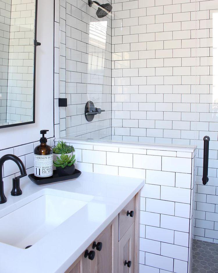 50 Subway Tile Bathrooms Ideas Bathrooms Remodel Bathroom Inspiration Tile Bathroom