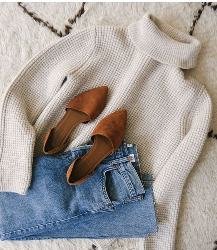 simple fall outfit inspiration   minimal autumn outfits   casual cold weather style inspo   minimalist winter styling tips   white knit turtleneck with blue jeans and brown flats