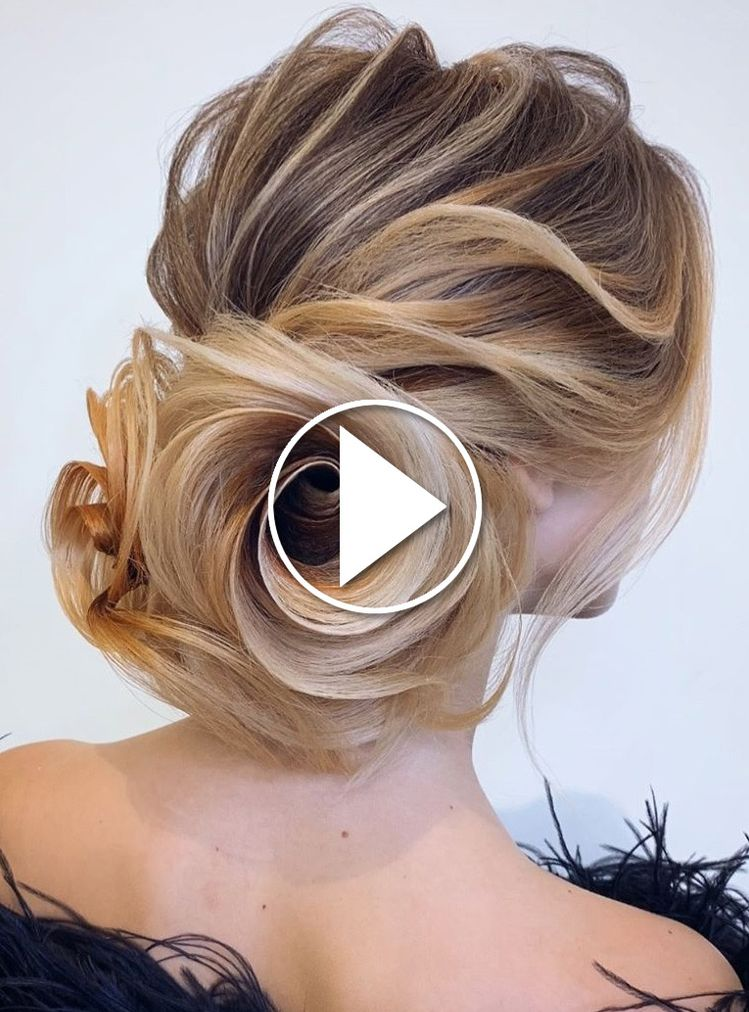 Penteados para cabelos cacheados 2019