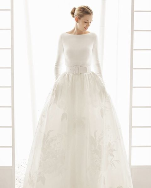 Modern Sleek Rosa Clara Gown For Stylish Brides Modern