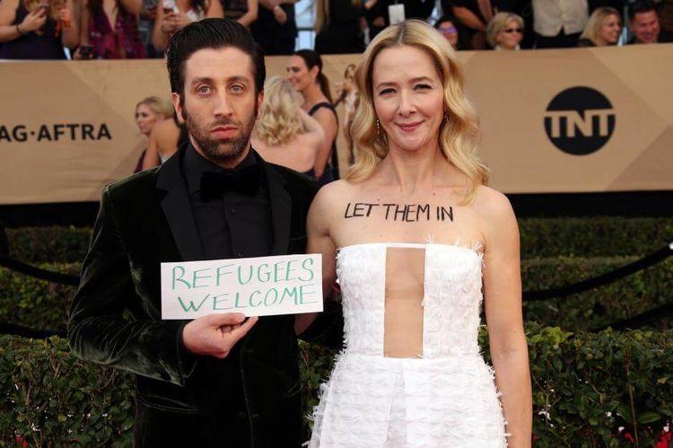 "TBBT-Star Simon Helberg: ""Refugees Welcome""-Protest bei SAG-Awards   OK! Magazin"