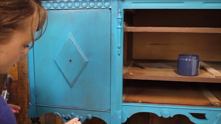 How to Layer Chalk Paint