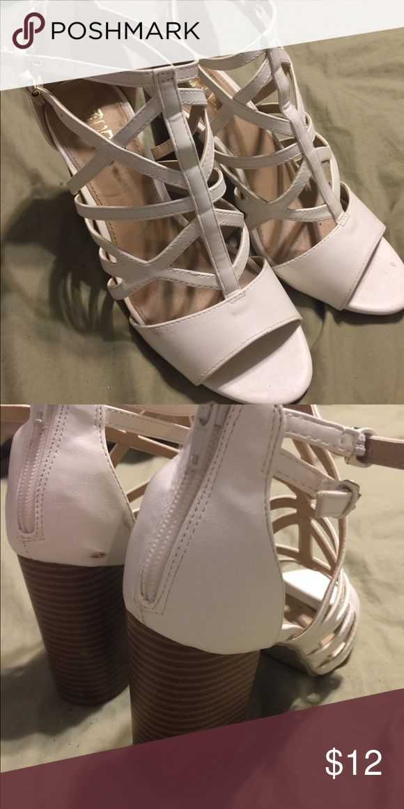 ccf49203be1 White strappy chunky heels 7