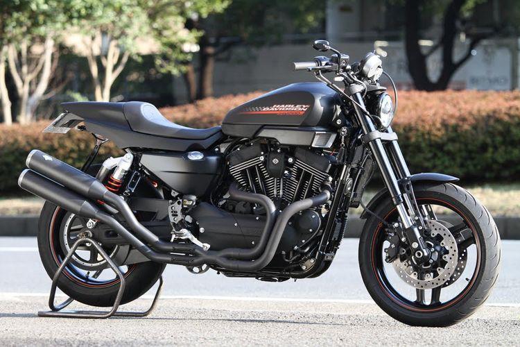 Racing Cafè: Harley XR 1200 Custom by Team Plain
