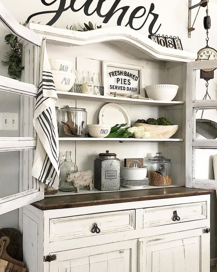 Awesome 99 Gorgeous Dining Room Hutch Decor Ideas. #