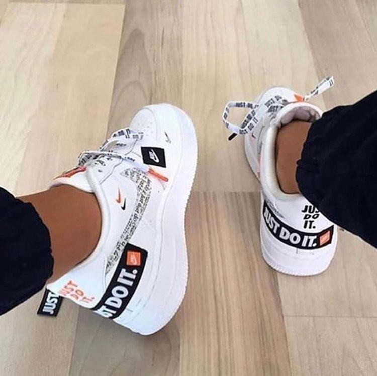 Custom Sneaker By kickzincolors