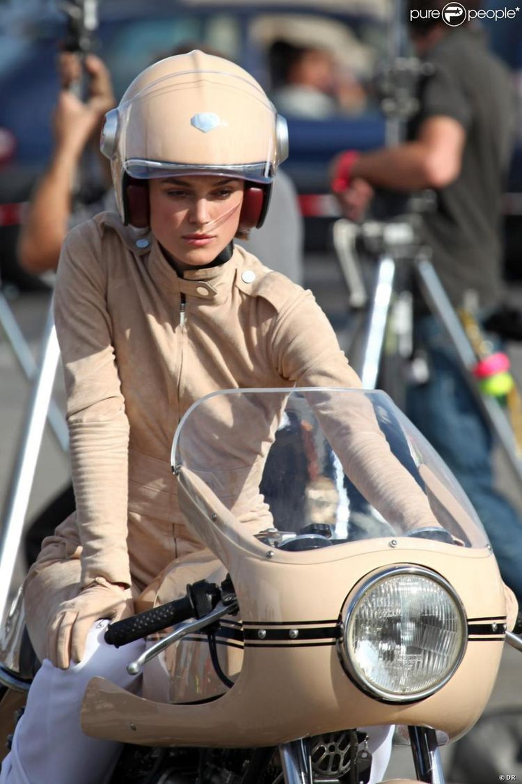 Keira Knightley tourne le prochain spot Chanel. Paris, place de la Concorde, le 5 septembre 2010.