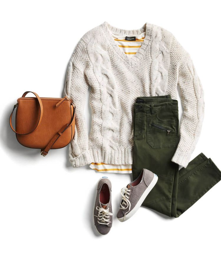 I really like this look. It looks cute, cozy and inviting. My favorite parts are the sweater and shoes.