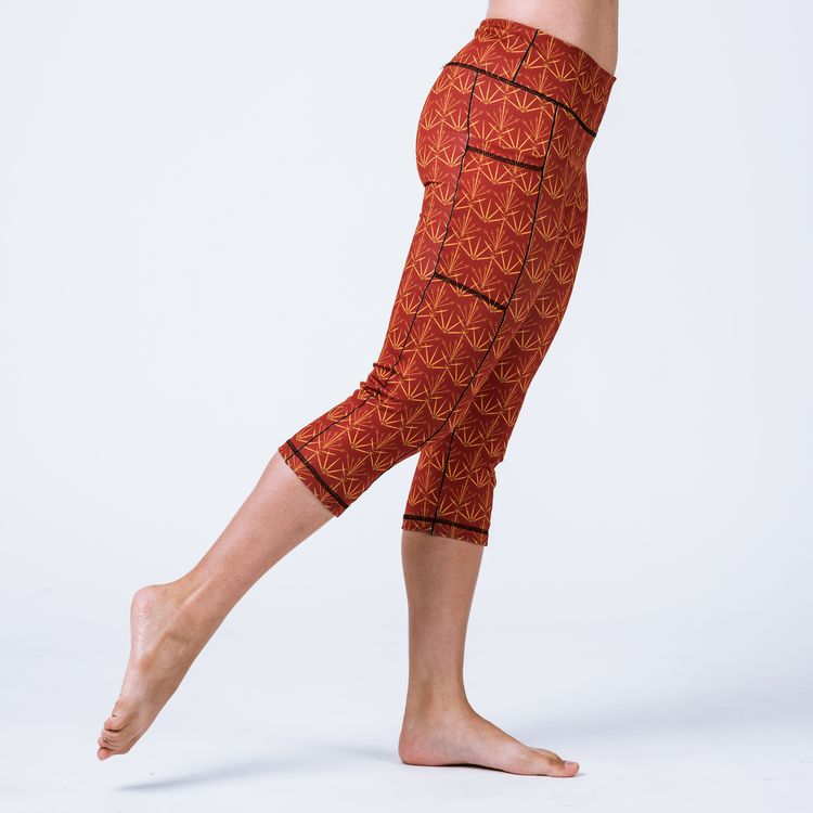 2cb46316bf958 Red sword-printed capri leggings with side pockets, 85% Recycled Polyester,  15