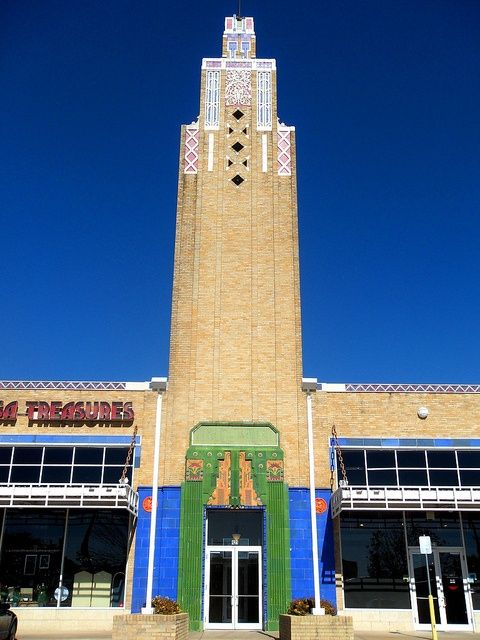 The Tulsa Warehouse Market is a great example of Tulsa's Art Deco tradition. Built in 1929.