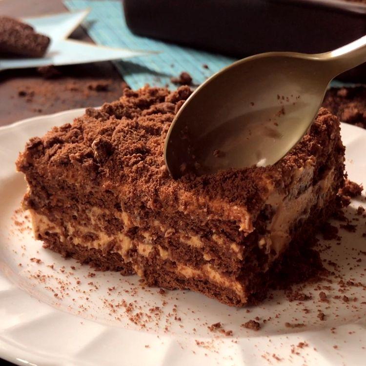 Chocotorta con Chocolinas, Crema y Dulce de Leche