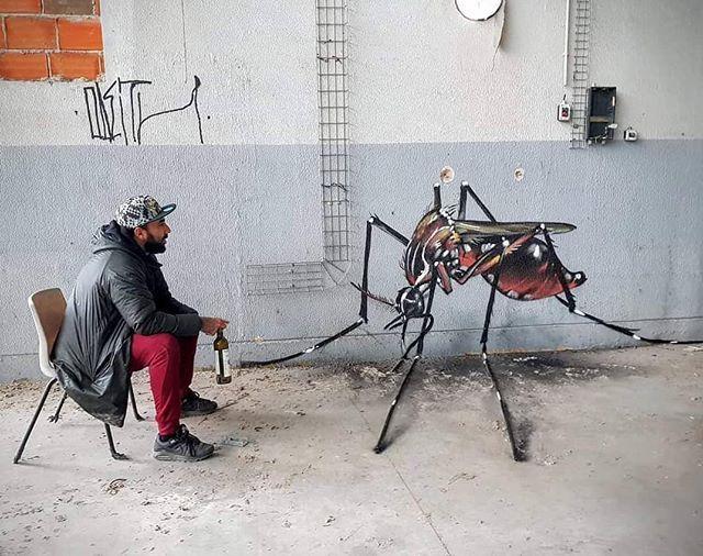 """A arte de rua salva minha vida no Instagram: """"• ARTISTA.  ODEITH • ◦ Mosquito ◦ localização: Portugal @streetartsavemylife @odeith #odeith #mosquito #bug # 3d #anamórfica # óptica… """""""