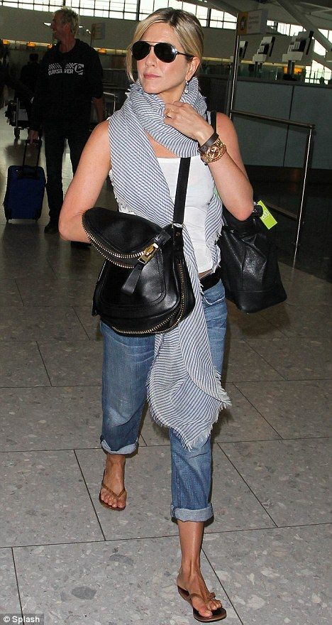 jennifer aniston chic We have the same taste in style. Love her clothes!